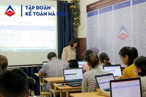 Ảnh lớp học kế toán thực hành ở Hà Nội